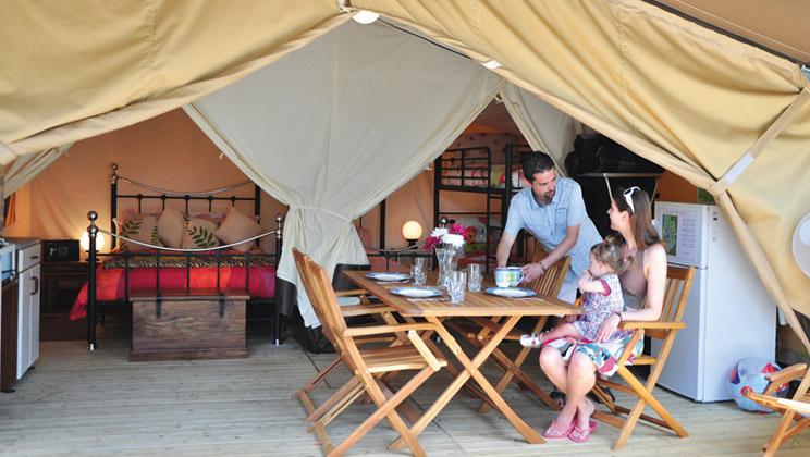 Spacious And Comfortable Safari Tent Sleeps 5 Eurocamp Co Uk